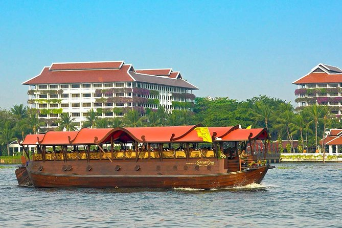 Manohra Luxurious Dinner Cruise por Anantara Bangkok