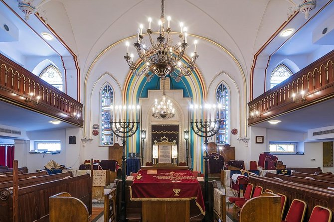 Jewish life of Budapest in 2020: private tour with traditional lunch