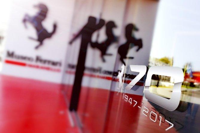 Entrada al Museo Ferrari y al Simulador de F1.