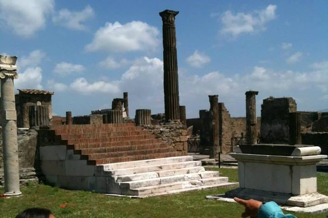 Semi - Private Exclusive Tour of Pompeii ruins & wine tastings from Naples