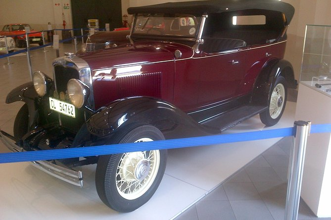 Cape Town Shore Excursion: Private Wine Safari with Franschhoek Motor Museum