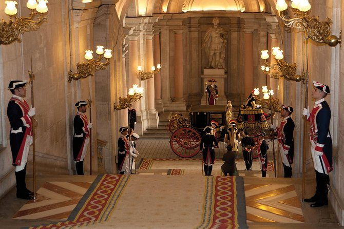 Skip-the-Line Palacio Real de Madrid Guided Palace Tour - Private Tour photo 6