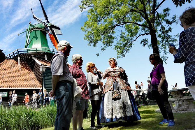 All-inclusive Zaanse Schans VIP-tour with Kaatje Slagter from Amsterdam