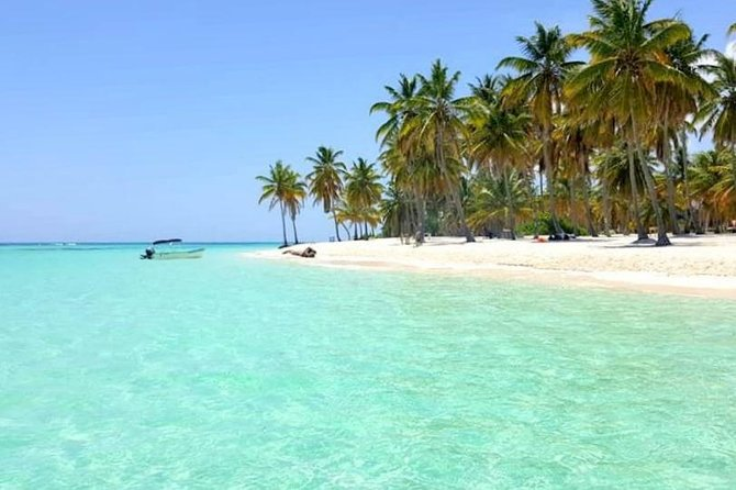 All-Inclusive Saona Island Full Day Trip and Catamaran Cruise from Santo Domingo photo 1
