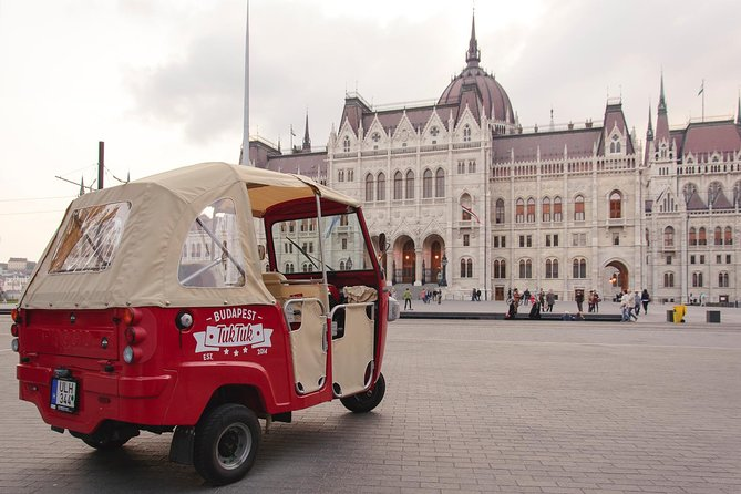 Budapest Solo Tour - Discover the city on a TukTuk with you private guide photo 4