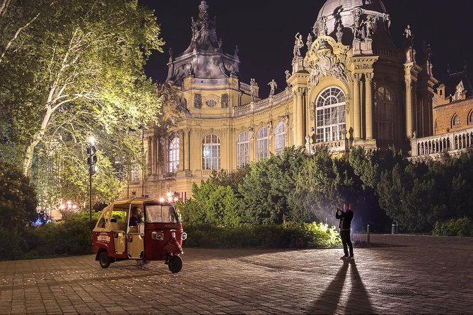 Budapest Solo Tour - Discover the city on a TukTuk with you private guide photo 3