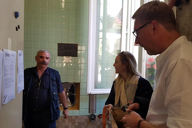 Taste champagne with a winemaker and visit his cellar. photo 12