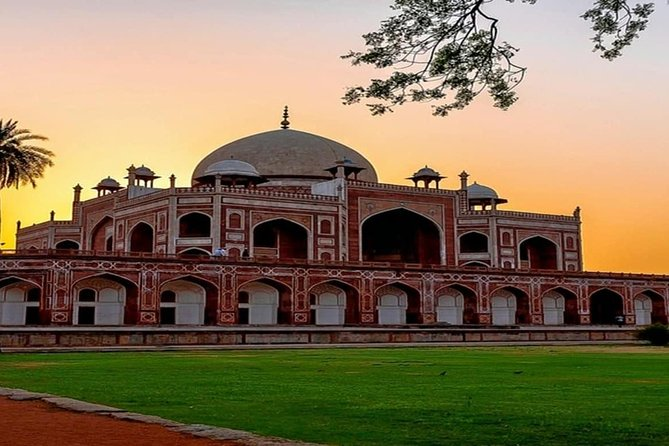 Private Old and New Delhi Sightseeing Tour