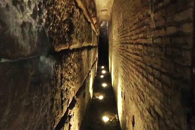 Private Tour in Colosseum,St Clements Underground & Crypts for Families and Kids