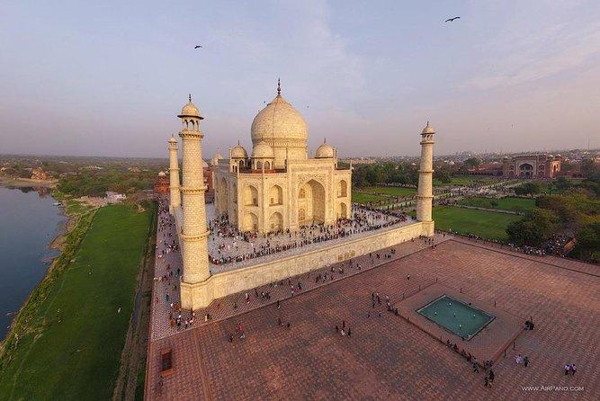 Agra City Highlights Tour : Taj Mahal, Agra Fort and Fatehpur Sikri