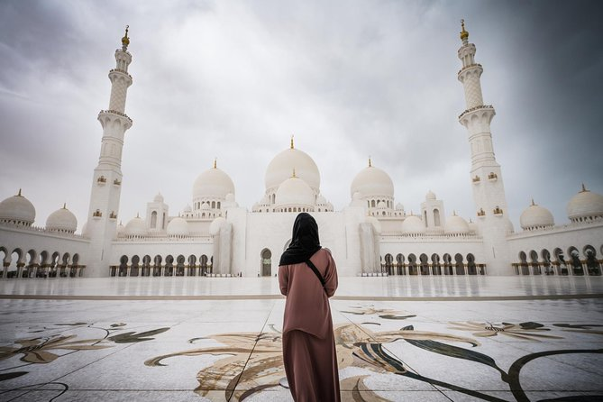 Half-Day Small-Group Tour to Abu Dhabi Sheikh Zayed Mosque from Dubai