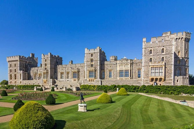 Windsor Castle private vehicle service from London with Admission tickets