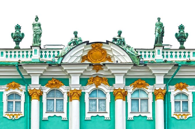 Private Hermitage Museum Tour and Boat Cruise in St Petersburg