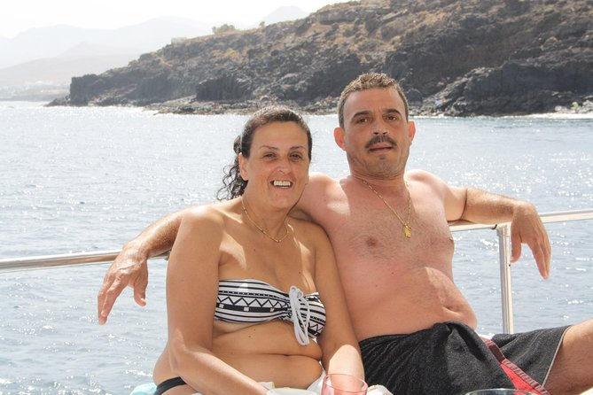 Small-Group Boat Cruise in Lanzarote with Drinks and Snacks