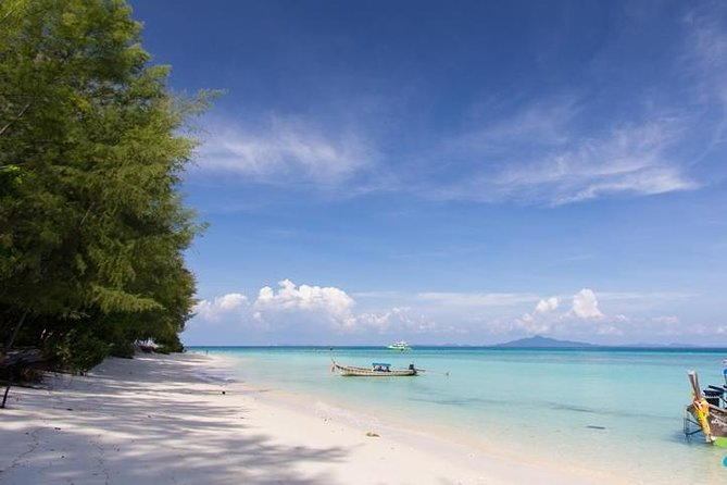 Phi Phi & Bamboo Islands Full-Day Tour by Speedboat