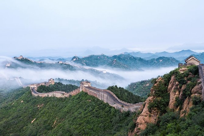Private Day Trip: Outdoor Hot Spring Experience and Jinshanling Great Wall