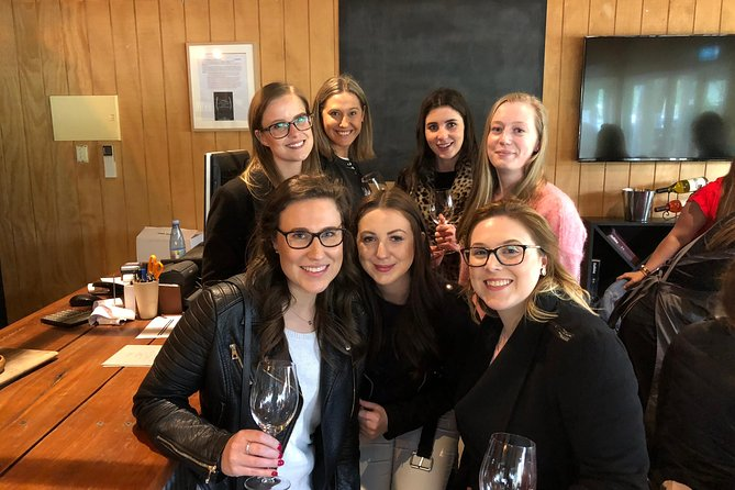 Yarra Valley Bus Wine Tour inc 2 course lunch with a glass of wine and chocolate