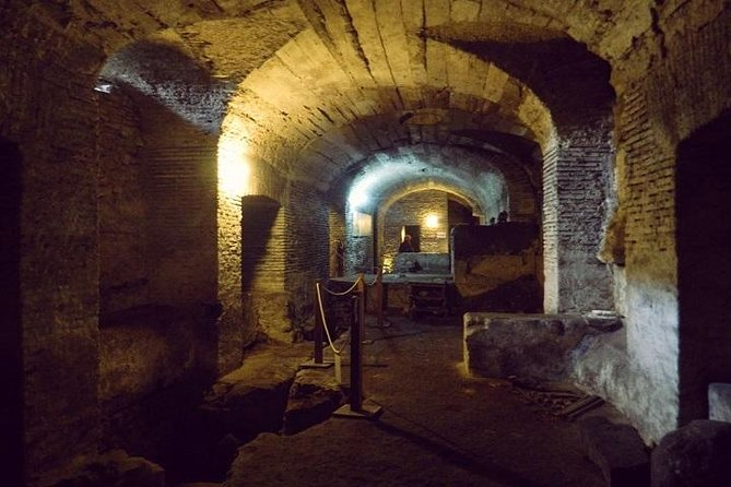 Small Group Tour - Skip the line: Secrets Rome, off the Beaten track!