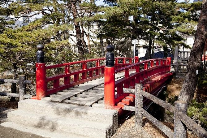 Full-Day Historical Bike and Boat Tour of Matsushima Including One-Way Train Ticket from Tokyo