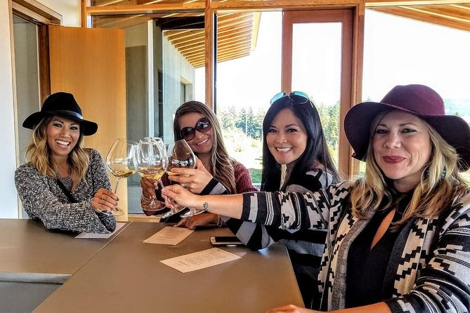 Private Oregon Wine Tour-Full Day Tour with Lunch
