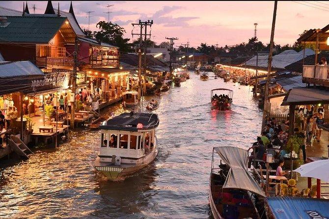 Maeklong Train Market en Amphawa Floating Night Market met Firefly Viewing Tour