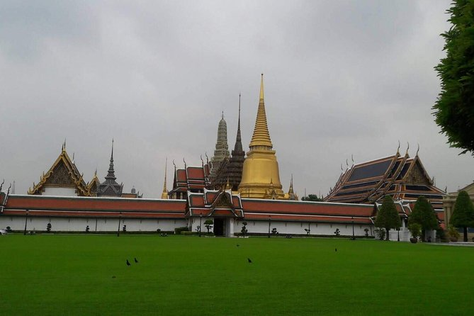Full-DayTemple and SightseeingTour inBangkok,PublicTransport,FerryBoat andTukTuk