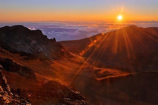 Magic Maui Volcano: Haleakala Crater -Private- Air Tour: Spectacular Perspective
