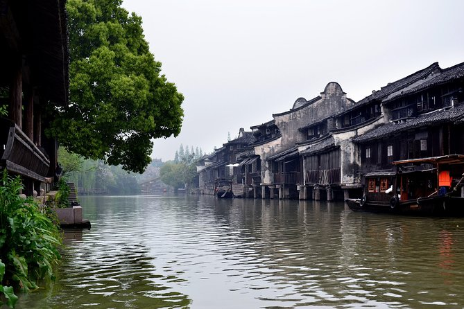 Colorful Hangzhou Day Trip to East Gate of Wuzhen Water Town