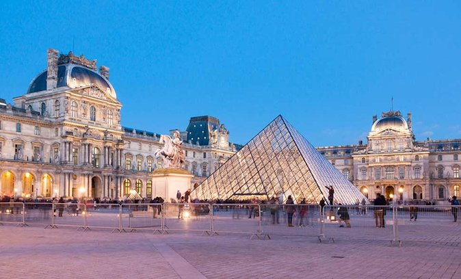 Paris Louvre Museum Tour: Highlights of a world-famous palace