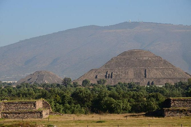 Full-Day Basilica of Guadalupe and Teotihuacan Archaeological Site Tour from Mexico City