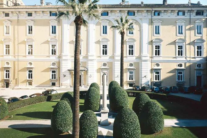 The Colonna Palace Walking Tour