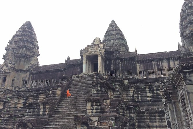 Small Group Sunset Tours, Angkor Wat, Bayon, Ta Prohm & Pre Rup ( 3 To 10 Pax )
