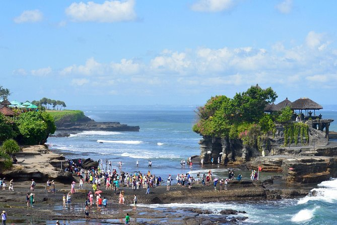 Private Full Day Trip-Ubud Art Village- Bali's Beautiful Tanah Lot Temple
