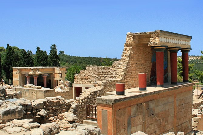 Knossos Wine & Pottery Tour 4 to 15 customers