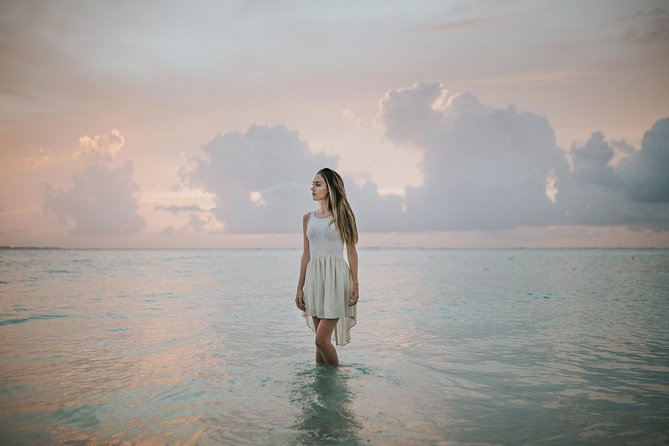 120 Minute Private Vacation Photography Session with Local Photographer in Cancun