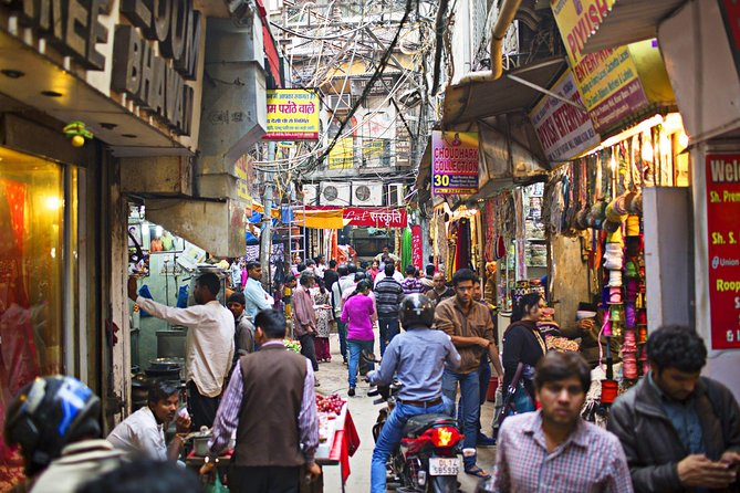 Stroll through Old Delhi's Chandni Chowk with Private Transfer