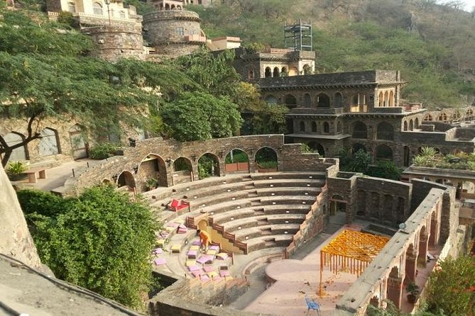 Day Excursion to Neemrana Fort from Delhi photo 3