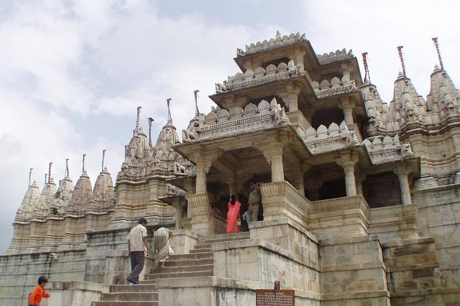Day Excursion To Ranakpur Jain Temple From Udaipur With Lunch