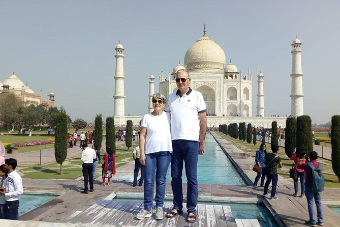 The Agra Experience - Tajmahal, Agra Fort, Fatehpur Sikri and Village Safari