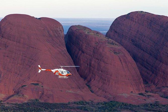 Uluru, Kata Tjuta and Lake Amadeus 55-Minute Helicopter Tour