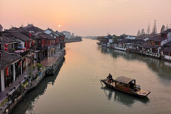 Half-Day Private Zhujiajiao Water Town Tour with Boat Ride from Shanghai