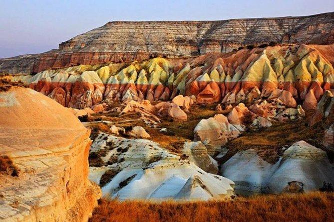 Tour en grupo por el Valle Rojo y Ciudad Subterránea de Capadocia | Göreme  | 2020 | Viator