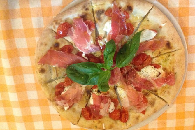 Half-Day Pizza Making Class in Taormina