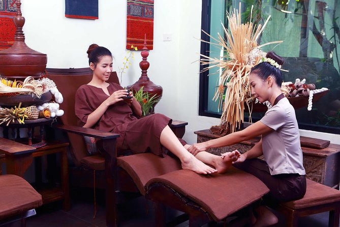 2 Hour Relaxation Luxury Spa Package at Fah Lanna Spa - Old City Branch