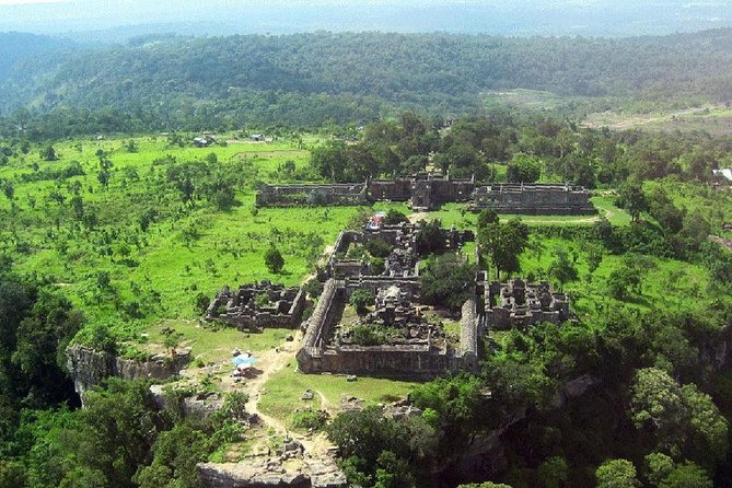 Private Preah Vihear and 2 Temples Guided Tour