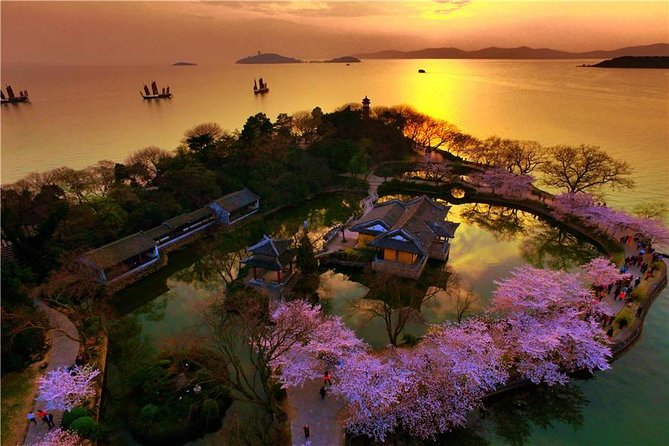 Flexible Wuxi Private Tour from Shanghai by Bullet Train