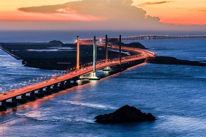 Shanghai Donghai Bridge and Yangshan Port Private Tour with Seafood Feast