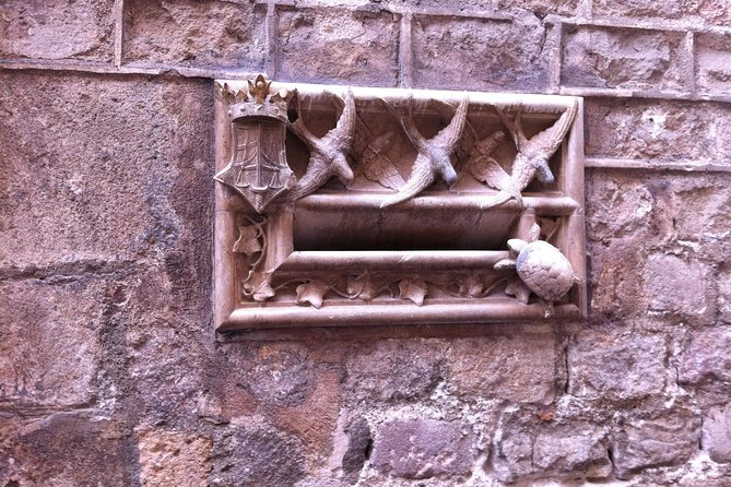 Barcelona Gothic Quarter: Guided Walking Tour photo 4