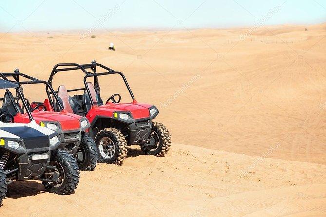 Dubai Desert Desert Buggy Safari mit Sunset & Bedouin Camp mit BBQ Dinner