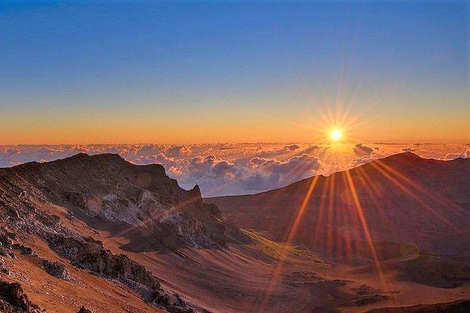 A melhor excursão guiada de bicicleta para assistir ao nascer do sol em Haleakala com a Bike Maui